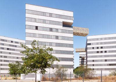 Viviendas de protección oficial en Pirotecnia, Sevilla, realizado por DL+A Arquitectos