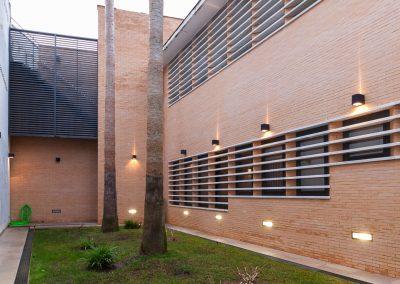 Rehabilitación de la casa de los tirados en la palma del condado realizada por el estudio Campos Alcaide Arquitectura
