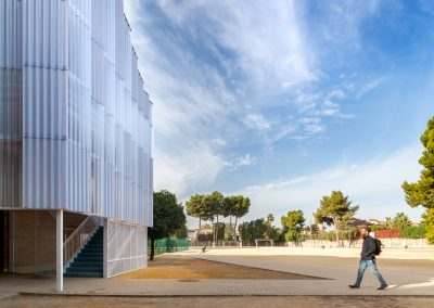 Escaleras contra incendio diseñadas por el arquitecto Gabriel Verd en el colegio Santo Angel de la Guarda en Sevilla