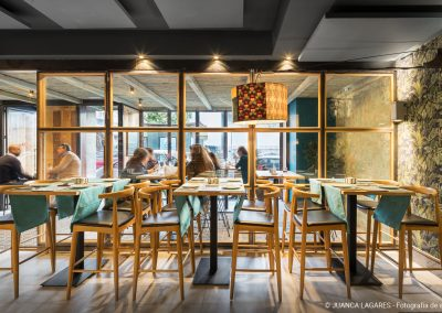 Restaurante Don Otilio en en el barrio de los Remedios Sevilla realizado por EGION