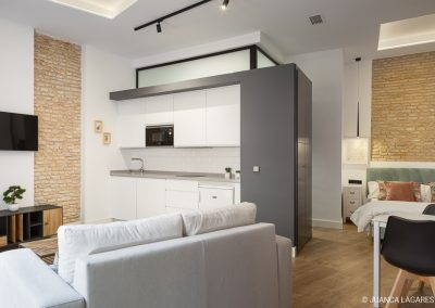 Reforma de una edificio en la calle Conteros para apartamentos turísticos en Sevilla, realizado por 2S Arquitectos