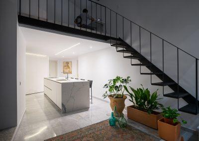 Cocina en una vivienda unifamiliar del centro de sevilla realizada por Cocinella